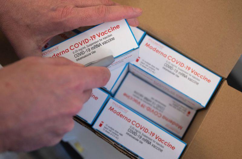 為達上任百日1億人施打 拜登政府增加疫苗供應