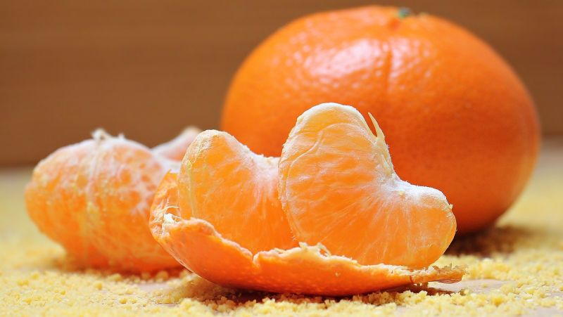 ▲吃橘子一定要記得,要連果瓣上的脈紋一起吃喔,因為那是柑橘類輸送養分的通道,有大量的維生素C。(示意圖/翻攝自pixabay)