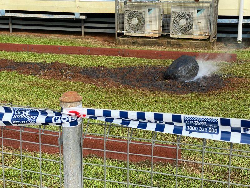 ▲澳洲馬蘭達州立小學(Malanda State School)驚傳隕石墜落,連NASA都關切,校方解釋真相了。(圖/翻攝自Malanda State School臉書)