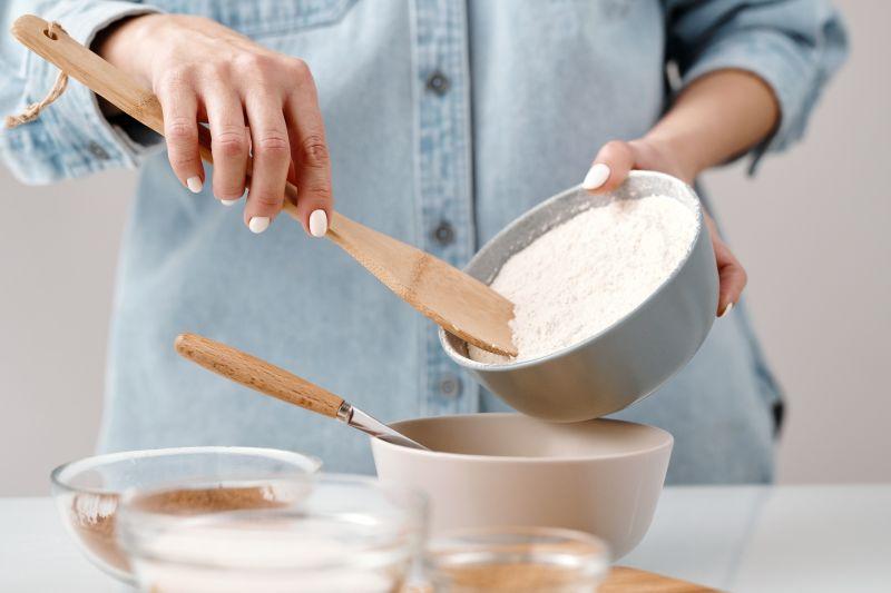 ▲有網友在家中發現兩大包過期至少兩年的麵粉,但又覺得直接丟棄非常可惜,便上網尋求解方。(示意圖/翻攝Pexels)