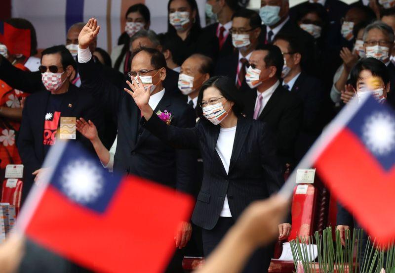 ▲菲律賓政治學者投書日經亞洲(Nikkei Asia)指出,去年全球疫情肆虐,台灣和越南因防疫和經濟表現優異而聲名大噪,關鍵在於兩國展現高品質的政府治理和領導力。資料照。 (圖/美聯社/達志影像)