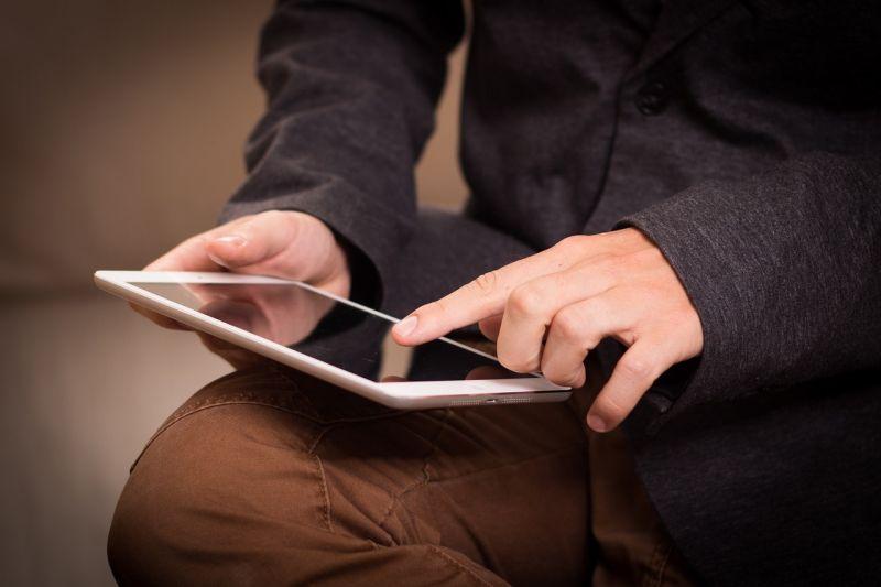 ▲原PO猶豫是否要購入iPad,釣出一票過來人吐真實心聲。(示意圖/翻攝自Pixabay)
