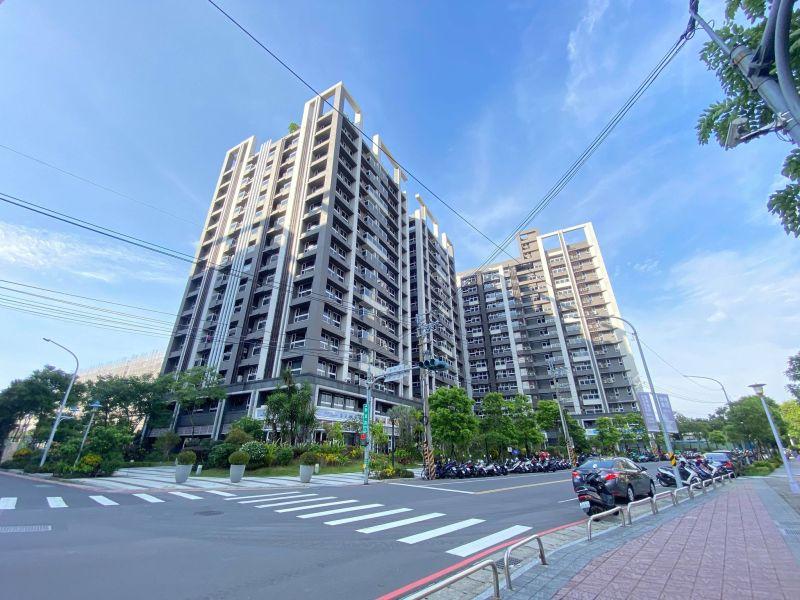 板橋溪崑生活圈的去年第三季大樓成交均價為3字頭