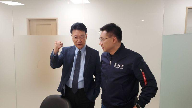 影/江啟臣、趙少康同框展團結 齊聲籲「罷捷」投同意票
