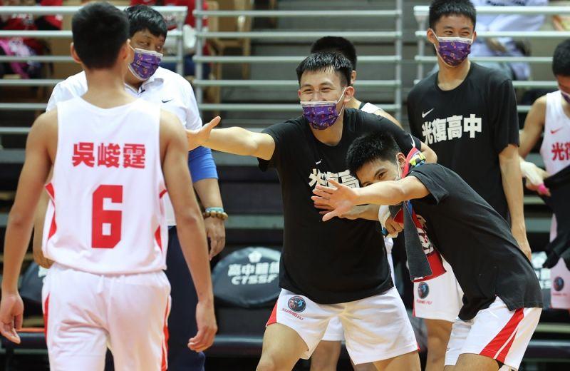 HBL/光復明拚7戰全勝 陳定杰稱讚泰山是冠軍等級的勁旅