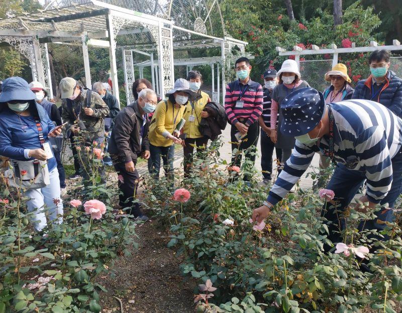 澄清湖幸福花園 水公司舉辦玫瑰保育實務照護課程