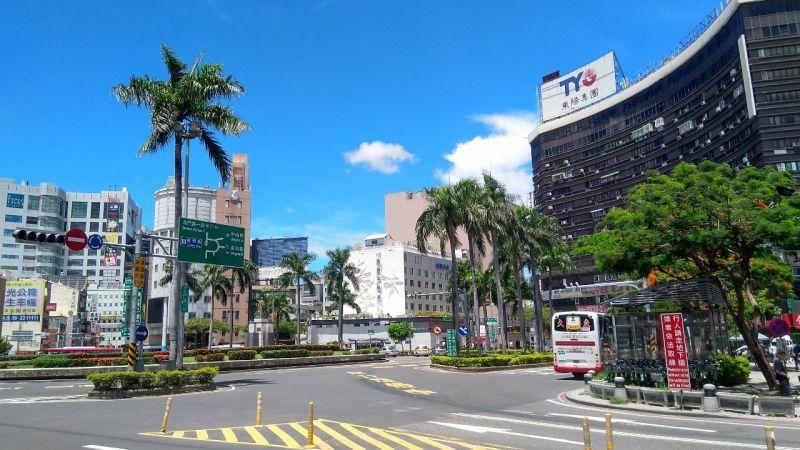 ▲專家看好,鐵路地下化對台南火車站周邊會有商圈復甦效果。(圖/NOWnews資料照)