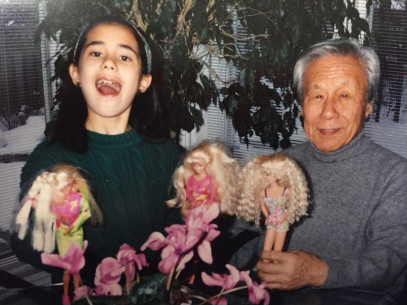 ▲李潔珂小時候與外公的照片。(圖/Jessica