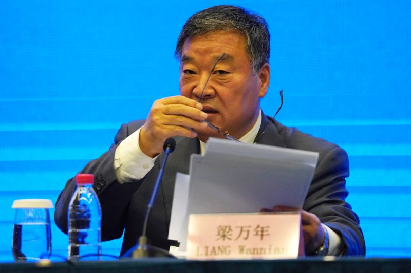 中國國家衛健委疫情應對組組長梁萬年
