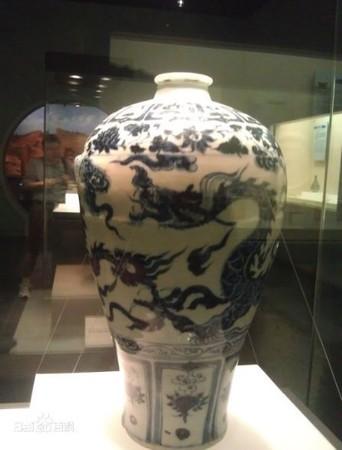▲完整的「青瓷花瓶」,已被認定為一級文物,目前被保存在湖北博物館中。(圖/翻攝百度百科)