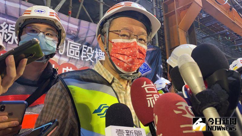 台北市長柯文哲19日接受訪問時,針對「寄生國會」爭議,柯文哲強調一直有在尋覓新黨部地點,不過因為黨務繁忙有所暫擱。