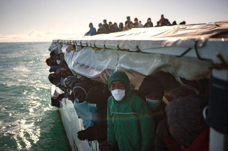 義大利難民船示意圖