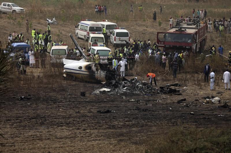 ▲奈及利亞空軍指出,軍方一架小型飛機不幸墜毀在首都阿布加(Abuja)一座機場附近,機上7人全數喪命。(圖/美聯社/達志影像)