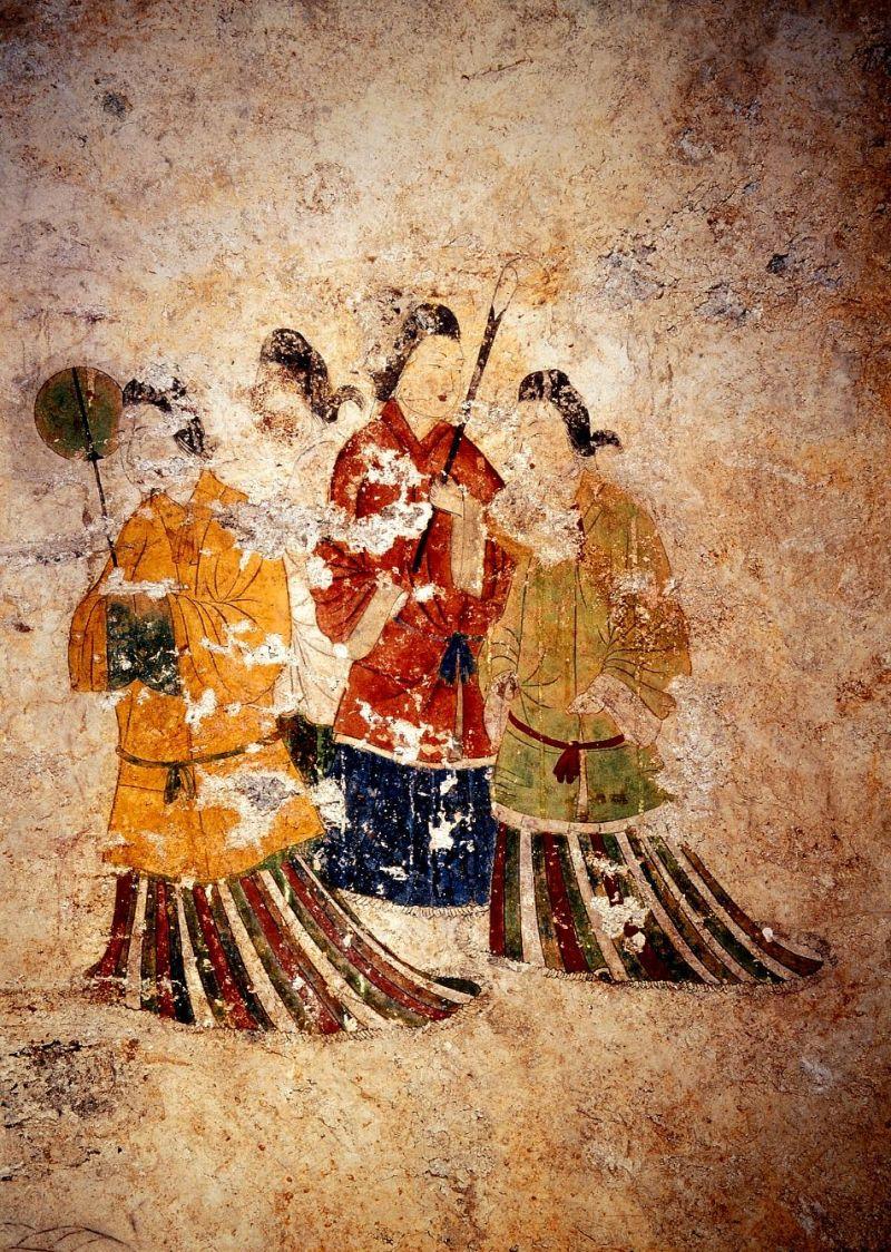 ▲高松塚壁畫館展出依原樣建構的石室模型與文物複製品。(圖/資料照片)