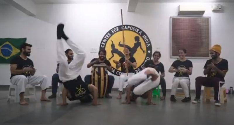 ▲結合力與美的卡波耶拉(Capoeira),俗稱巴西戰舞,其魅力在於它既是戰鬥,又是跳舞,能夠戰鬥卻又不失美感。(圖/翻攝自影片)