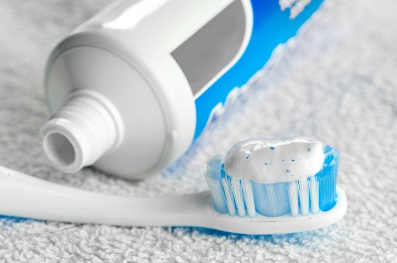 ▲牙膏是居家清潔的好用品。(圖/信義居家提供)