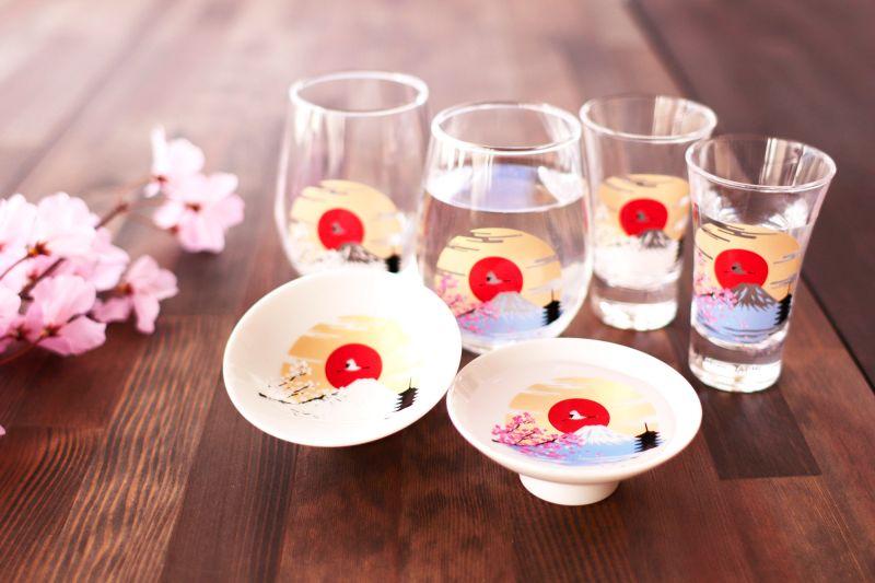 ▲隨著日本進入大家每年最期待的櫻花季,許多企業便開始將經典的粉色花瓣嵌入春季商品中。(圖/取自Marumo Takagi官網)