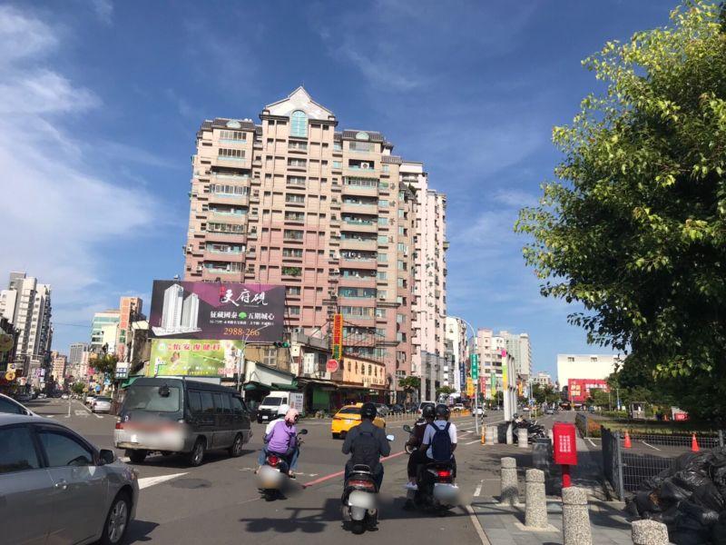 ▲東寧路是台南市東區交易熱絡的主要幹道之一。(圖/NOWnews資料照片)