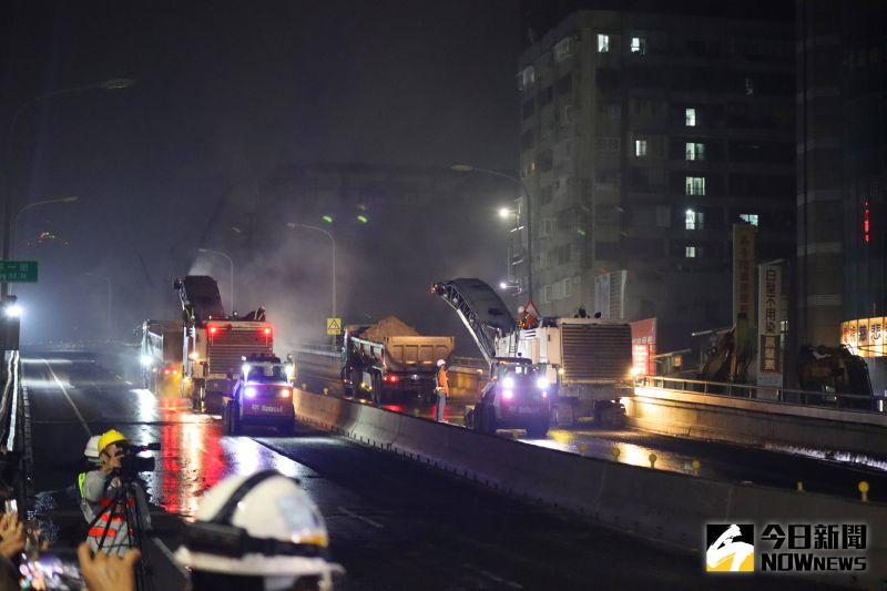 中博高架橋拆除 民眾午夜爭睹最後身影