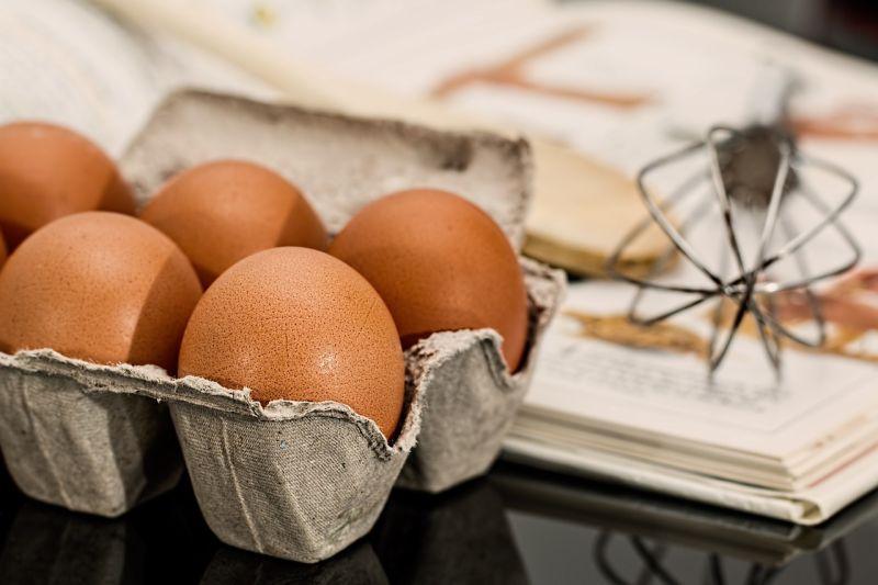 ▲原PO買回2盒雞蛋,一下鍋竟發現「天降驚喜」。(示意圖/翻攝自Pixabay)
