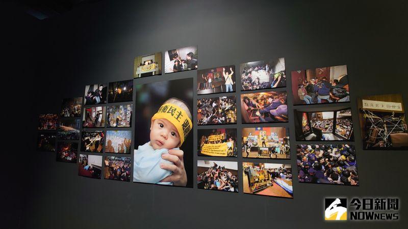 ▲「若水,如火,有聲:一個關於行動的展覽」子展區「鏡頭的凝視」,呈現近年台港青年運動現場的新聞攝影作品。(圖/記者鄭婷襄攝,2021.02.27)