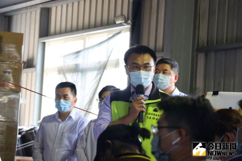 陳吉仲強調,停止蓮霧進到大陸是該貿易商自己做的決定,目前沒有除了鳳梨以外的農產品受到影響。(圖/記者鄭婷襄攝,2021.02.28)