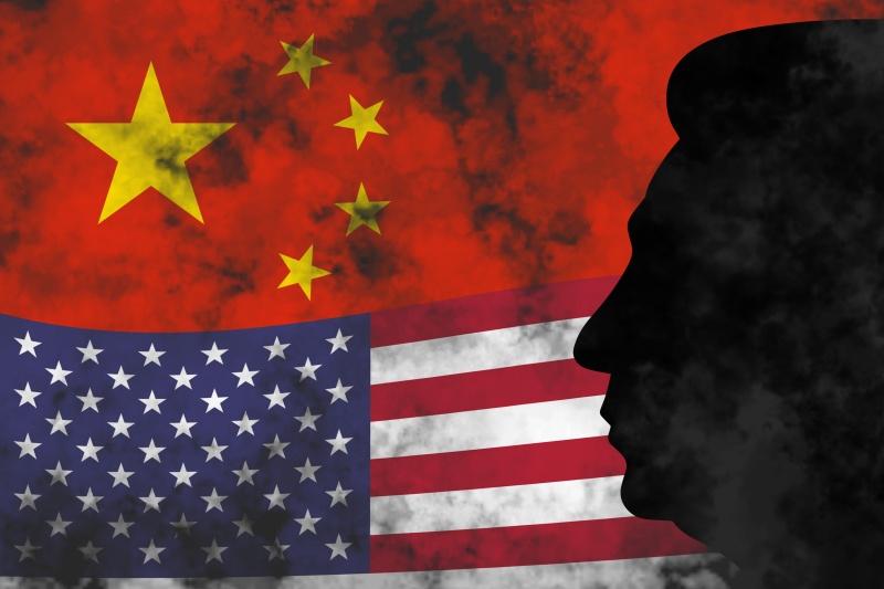 ▲拜登總統上任後,美國並無立刻消川普時期對中國進口商品加徵的關稅,引發北京持續不滿。美中示意圖。(圖/美聯社/達志影像)