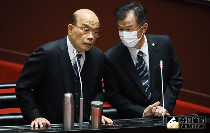 ▲行政院長蘇貞昌(左)和陸委會主委邱太三(右)赴立院接受備詢。(圖/記者葉政勳攝 , 2021.03.02)