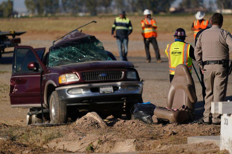 美國加州休旅車車禍