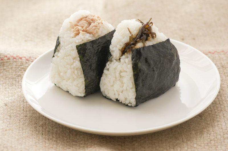 ▲原PO用外送點了一個日式飯糰,收到後打開餐盒一看,「內容物」卻讓他相當錯愕。(示意圖/翻攝自Pixabay)