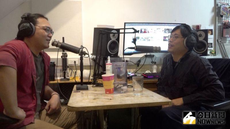 ▲李毅誠(右)與張家倫(左)一同主持膾炙人口的Pocast節目「台灣通勤第一品牌」。(圖/記者葉政勳攝)