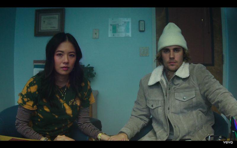 小賈斯汀推出新歌《Hold On》,MV找來高齡風女兒葛曉潔演出。(圖/翻攝Justin Bieber YouTube)