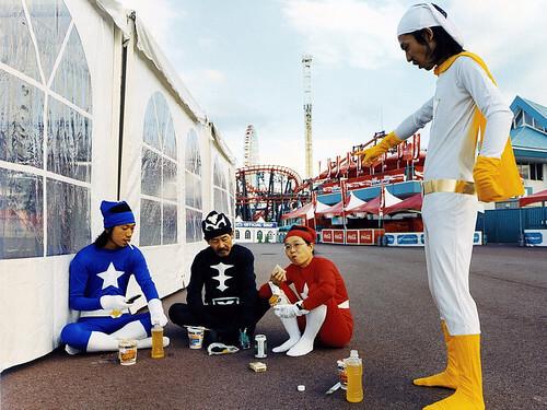 ▲淺田一家真實拍攝的「英雄全家福」照片。(圖/威視電影提供)