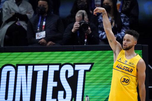 ▲Stephen Curry拿下三分球大賽冠軍。(圖/美聯社/達志影像)