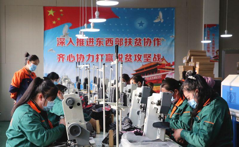 中國製造業找無工人!專家警告:人口紅利優勢沒了