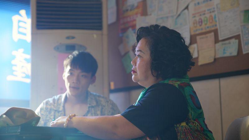 ▲鍾欣凌(右)在戲中有許多凶狠的橋段。(圖/金盞花大影業提供)