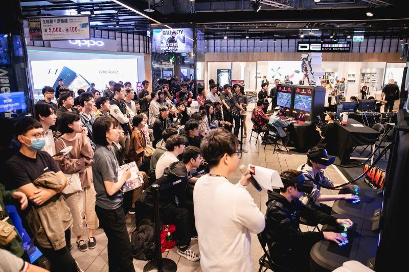 ▲南瓜虛擬科技所開發之Quantaar機台版於2019年在台北三創舉辦電競比賽。(圖/高市經發局提供)