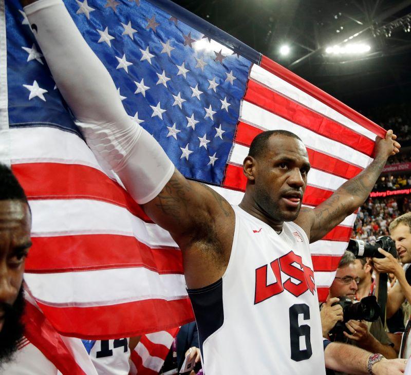 ▲「詹皇」LeBron James曾兩度率領美國男籃拿下奧運金牌,「魔術強森」Magic Johnson表示本屆就是少了詹皇這樣真正的領袖。(圖/美聯社/達志影像)