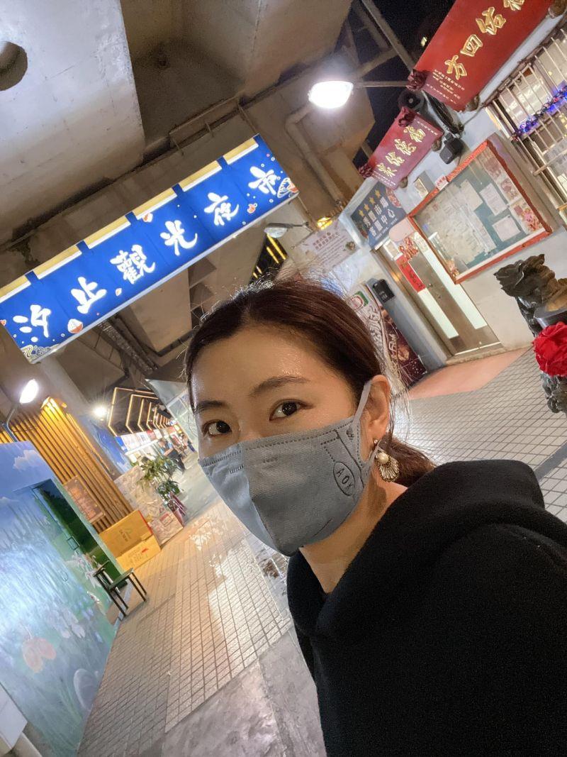 ▲Selina在秀豐黃昏市場留影。(圖/Selina臉書)