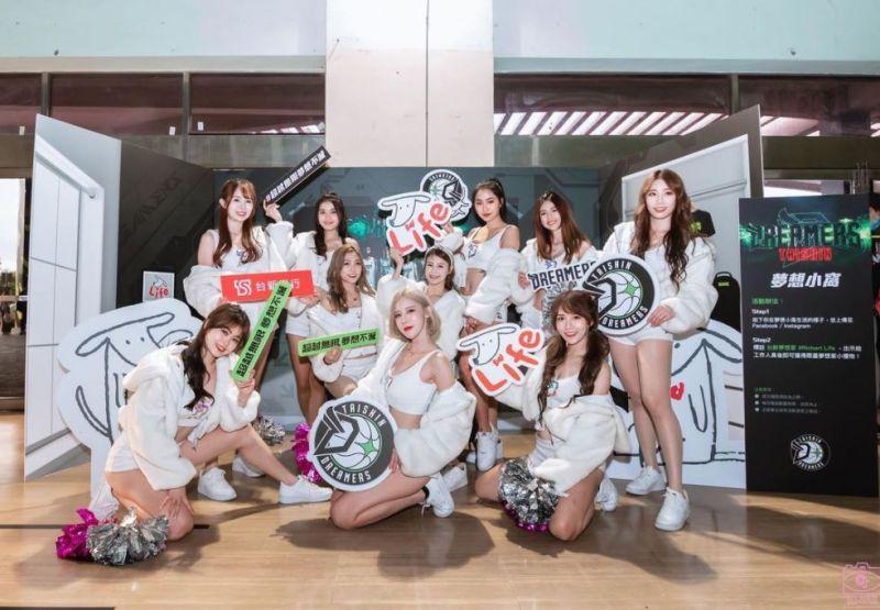 ▲夢想家啦啦隊承諾近距離與粉絲互動。(圖/翻攝Formosa Sexy IG)
