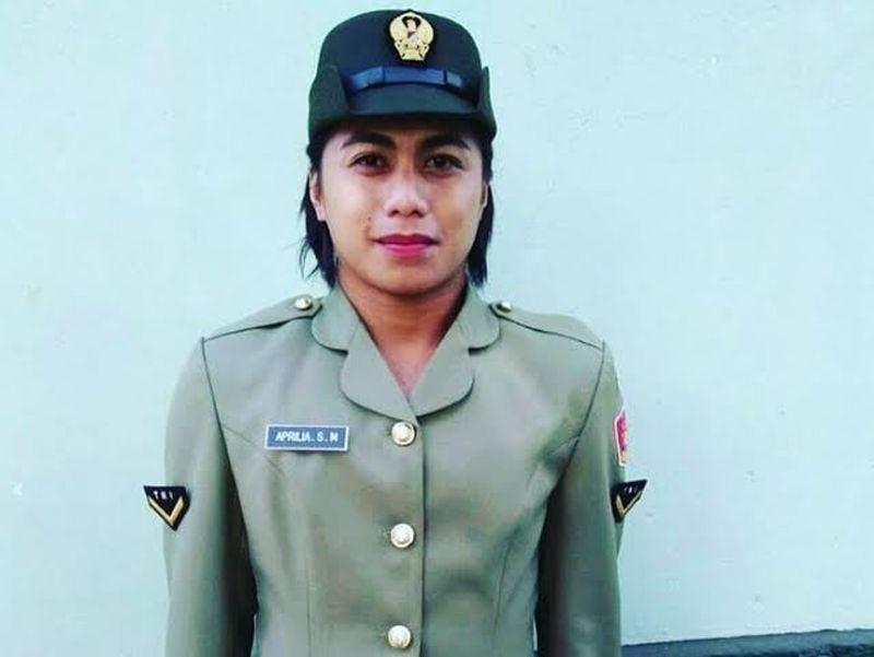▲曼加南格初入伍時仍是做女性打扮。(圖/翻攝自@aprilia_.manganang的IG)