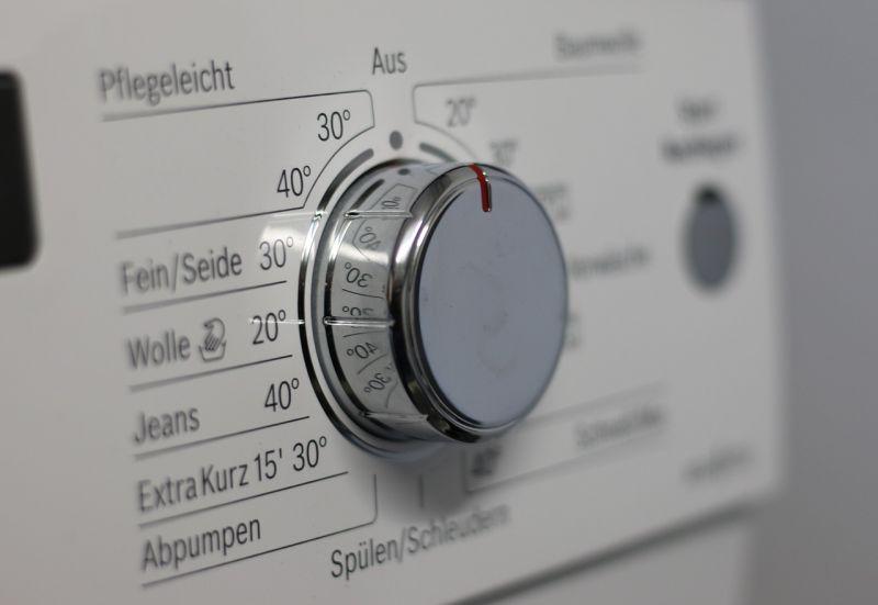 ▲有網友在PTT八卦版貼文提到,滾筒式洗衣機和直立式洗衣機配烘衣機究竟該如何選擇?貼文引發網友熱議。(示意圖/翻攝自Pixabay)