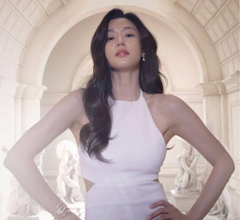 根本是少女!南韓最強40歲女星美顏對決 全智賢、宋慧喬「靠水」逆齡