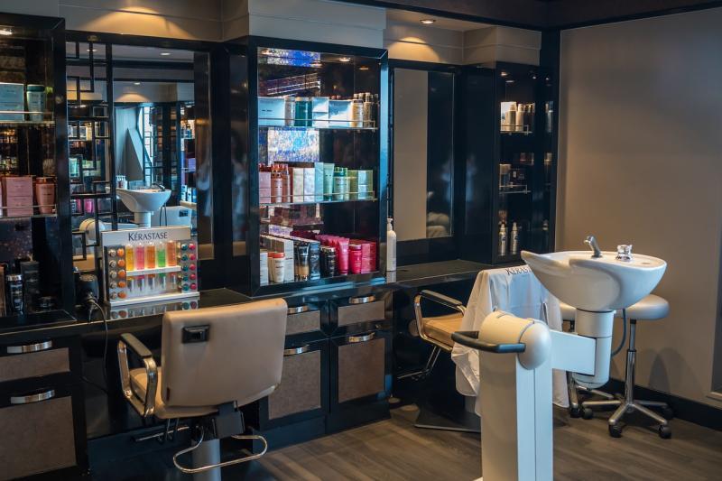 ▲網友討論現在人剪頭髮願意花多少錢。(示意圖/pixabay)