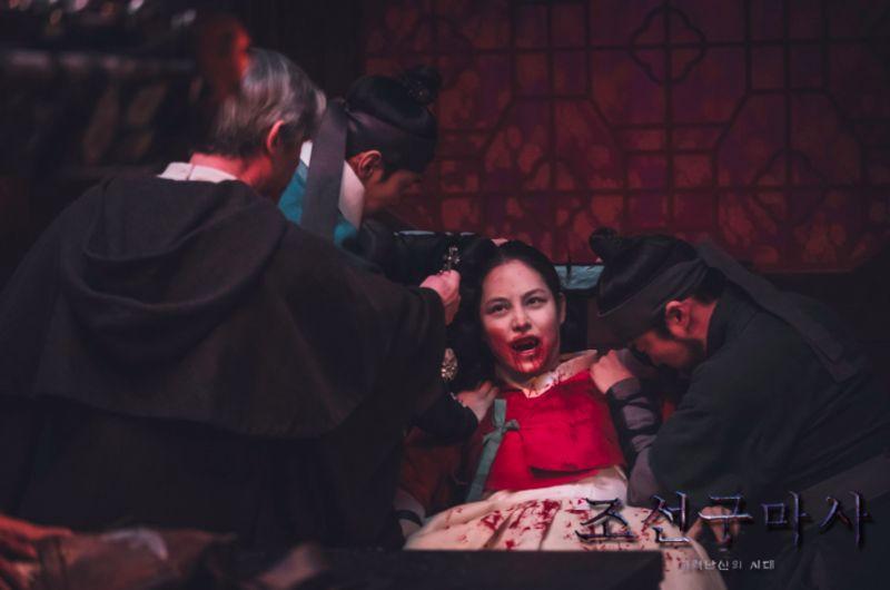▲《朝鮮驅魔師》首2集太血腥,被列為18禁觀看。(圖/SBS)