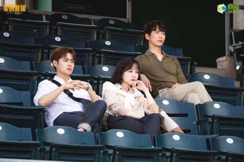 ▲趙炳圭(左起)、朴恩斌、南宮珉劇中帶領團隊在職場上突破重圍。(圖/衛視中文台)