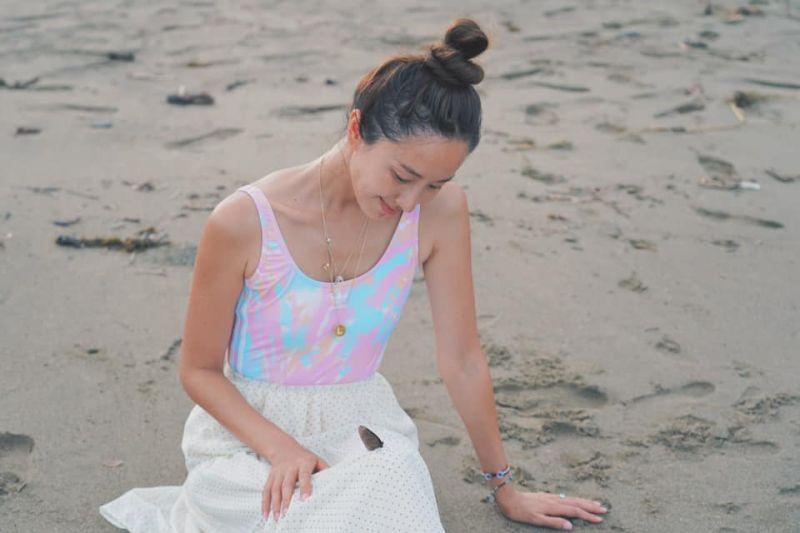 ▲隋棠一家在海邊享受天倫樂。(圖/隋棠臉書)
