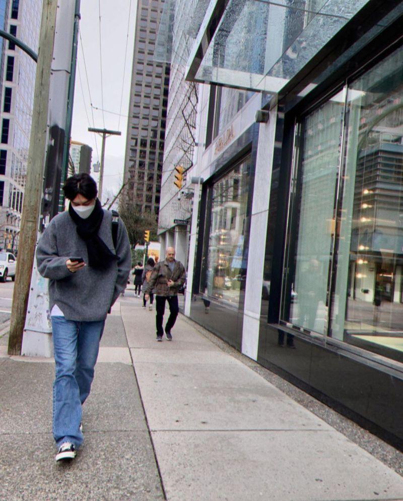 ▲李敏鎬漫步加拿大街頭。(圖/李敏鎬IG)