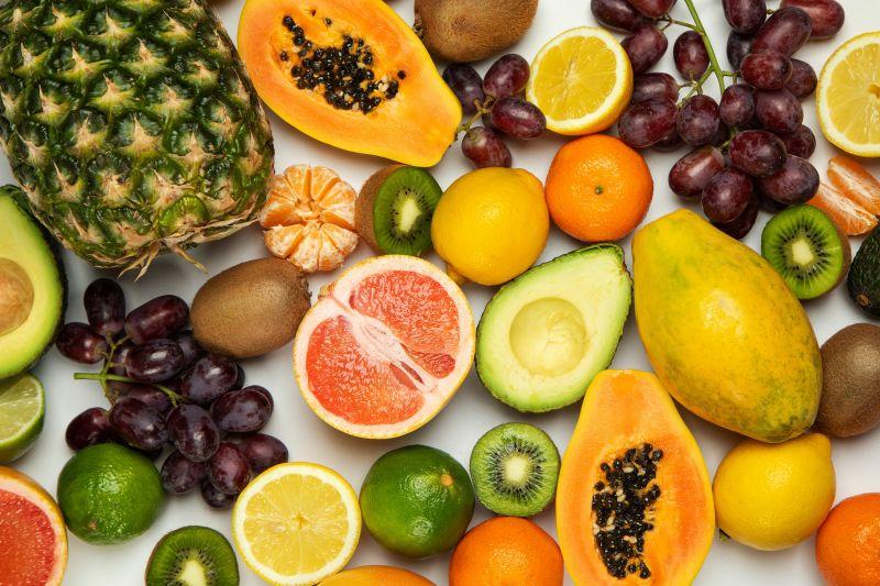 ▲正妹營養師高敏敏分享了20種水果的維他命C含量排行榜,貼文一出,就有網友驚呼「怎麼不是檸檬」!(示意圖/取自unsplash)