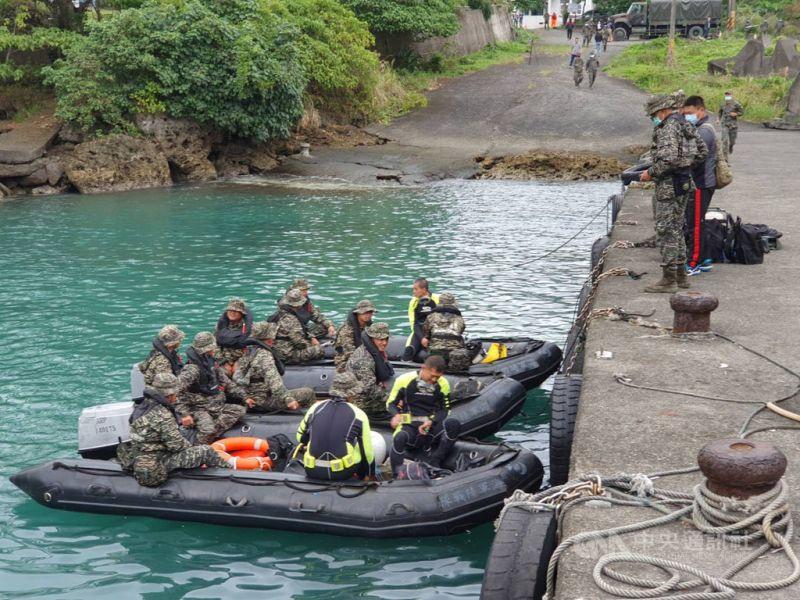 軍方不放棄任何機會 擬水下搜救飛官潘穎諄